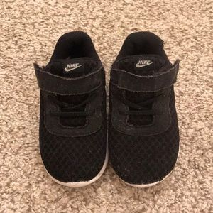 Nike black and white baby size 6C sneakers